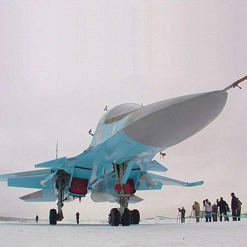 В СУ-34 что уже в пижамах летают? вроде тоже в...